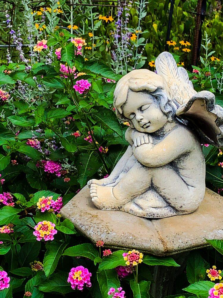 garden statue photo by J Bragg